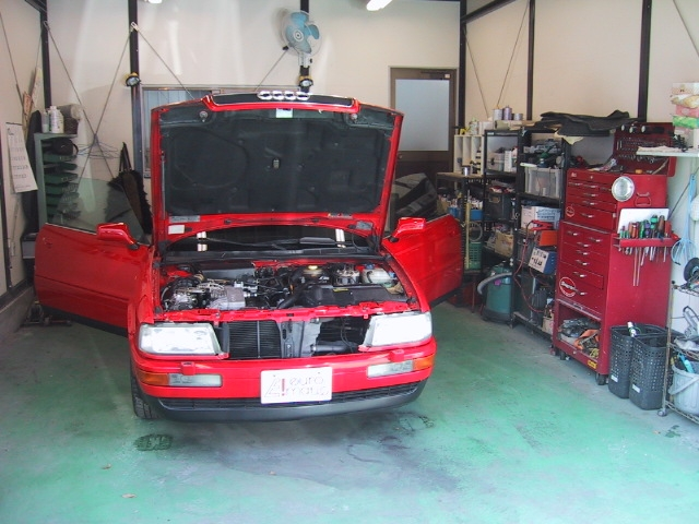 経験豊富なスタッフがお客様の愛車選び・故障・修理など自信を持ってアドバイスとサポートをさせていただきます。アウディ、フォルクスワーゲンの中古車をお探しの際には私たちまでお気軽にご相談下さい