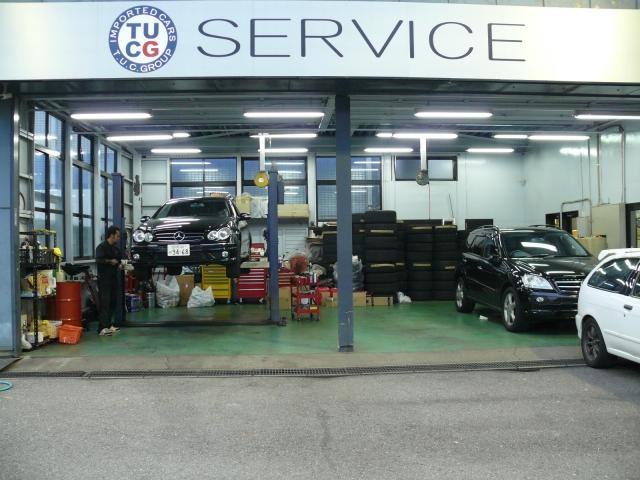 TUCの販売車輌は全車無料1年保証付&年3回3年間のエンジンオイル交換サービス・外装のポリマーメンテナンスサービス付&100キロ無料の専用ロードサービス付です。